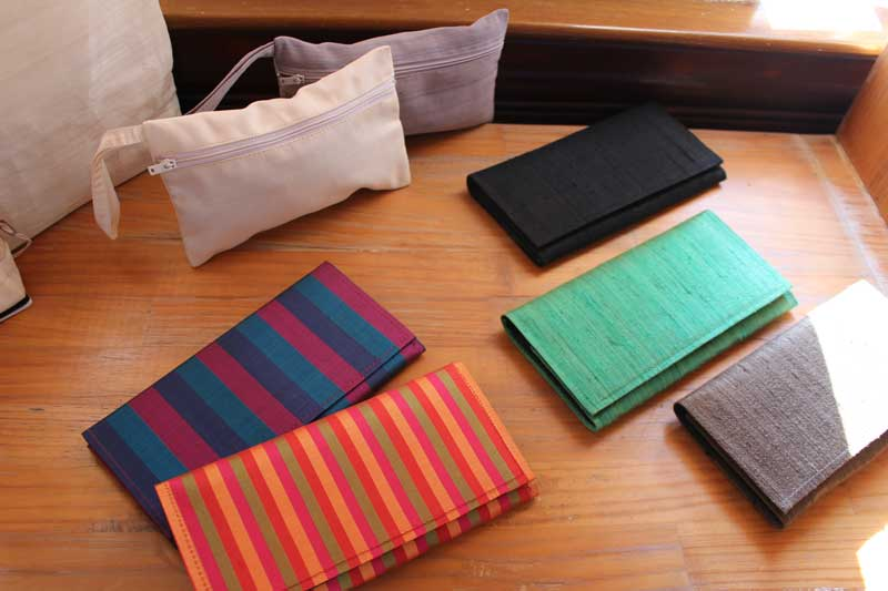 Lotus souvenir store by Samatoa, wallets and handbags